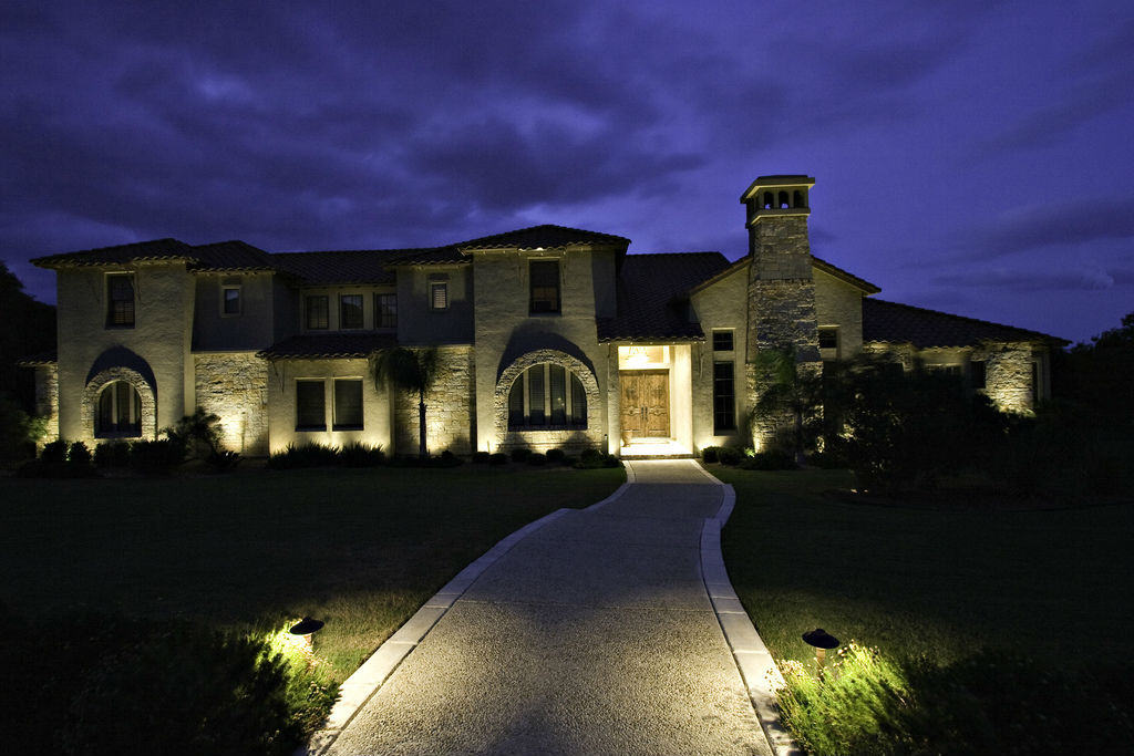 Outdoor Lighting Tips For Home And Garden6
